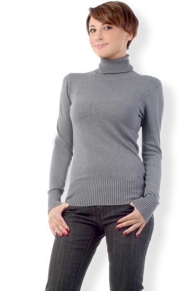 Abbigliamento da Donna  http://www.abbigliamentodadonna.it/maglione-donna-attillato-p-592.html Cod.Art.000699 - Maglione da donna attillato, modello dolcevita a manica lunga molto casual e trendy, caratterizzato da collo alto ed avvolgente.