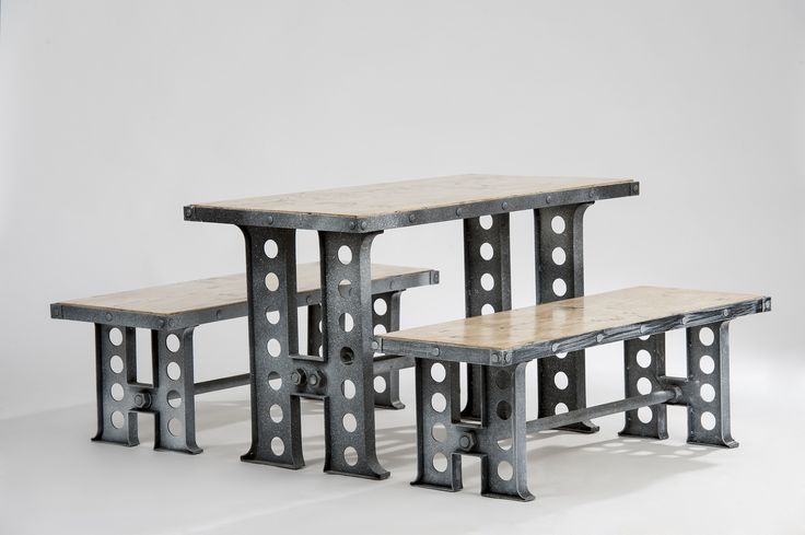 Set mobilier inspirat de stilul industrial, compus dintr-o masa si doua banci. Realizat din material lemnos alb antichizat si metal masiv.  Furniture set inspired by industrial style, consisting of a table and two benches. Made of antique white wood and solid metal. #mobilierindustrial #steelfurniture #industrialfurniture #amenajari #metalcreativ