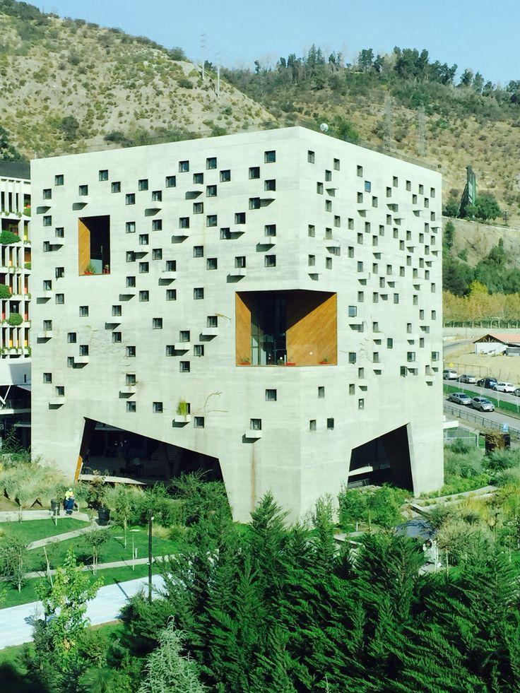 Ciudad Empresarial, Santiago