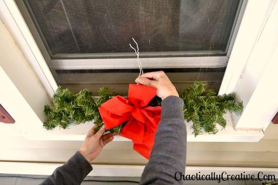 DIY-Exterior Christmas Swag for Windows