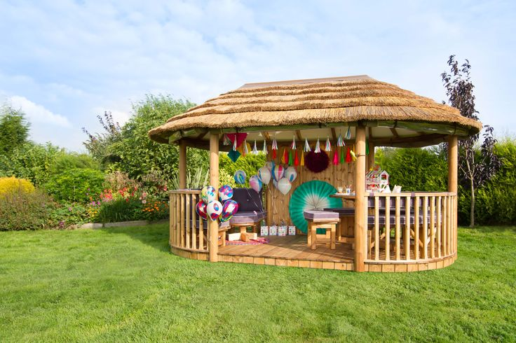Lots of space to host garden parties and keep the kids entertained.