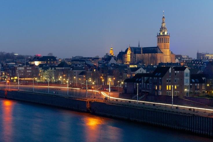 Nijmegen de oudste stad die ons land rijk is.