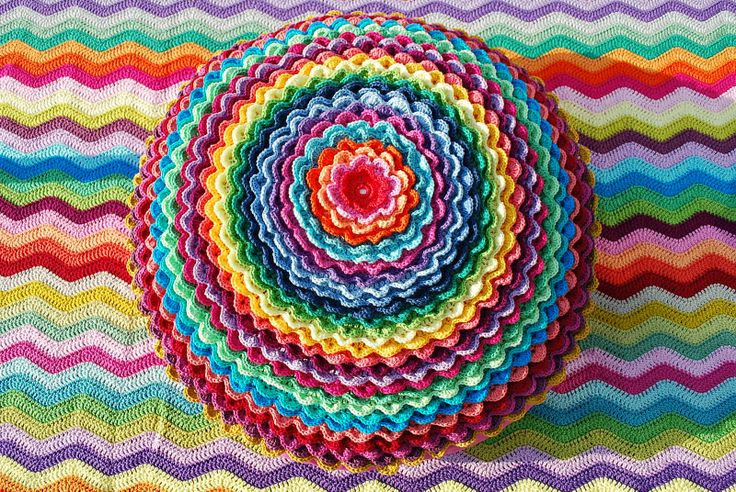 Sunflower Cushion Knitting Pattern : 17 Best images about Crochet and Knitting on Pinterest Free pattern, Croche...
