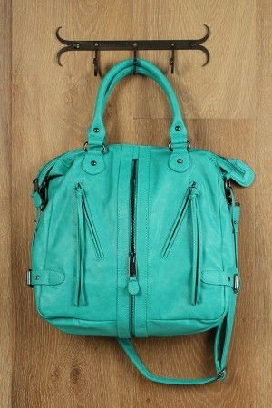 Website with really cute bags, shoes and clothes for cheap!!