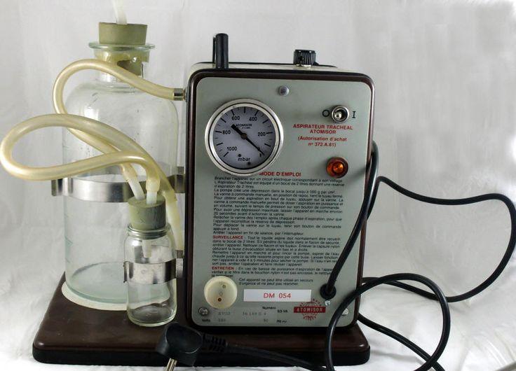 storia della pneumologia, histoire de maladie pulmonaire,history of pulmonary Aspiratore tracheale elettrico  moderno ma ormai obsoleto prodotto dalla ditta Atomisor  - 1960-70 circa.
