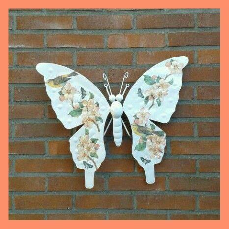 Vlinder bewerkt met servetten