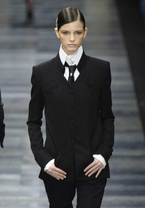 Karl Lagerfeld f/w 2003 . I REALLY LOVE Tailored menswear for women ... super fab!