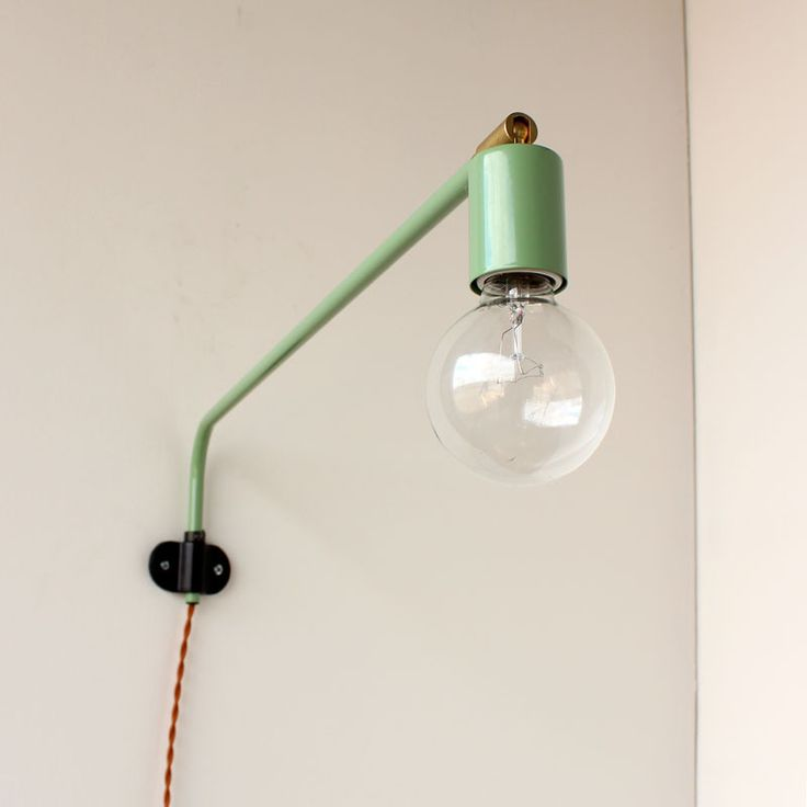 Mint wall lamp
