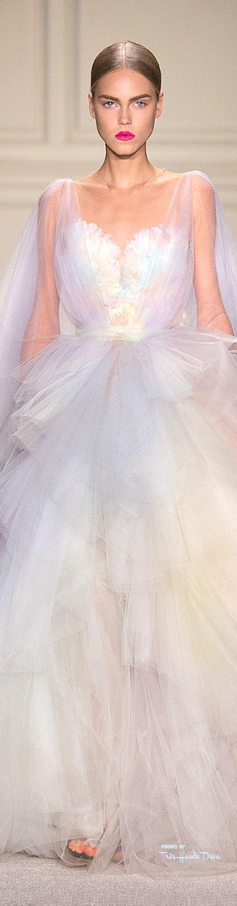 Marchesa Spring 2016 RTW ♔ Très Haute Diva ♔ For more fashion visit my website at  http://www.treshautediva.com/