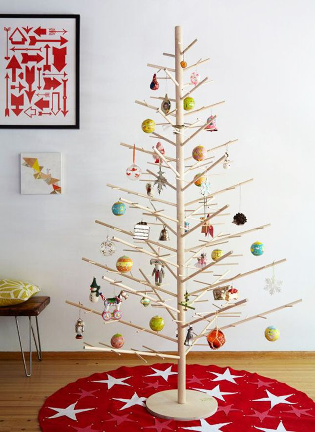 Celebrate the holidays with a minimalist wood tree.