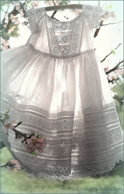 antique 'broderie anglaise' toddler's dress ... c. 1860-80 vintage baby dress