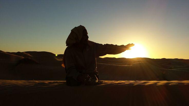 Tramonto nel deserto del Grand Erg Orientale Deserto, tunisia
