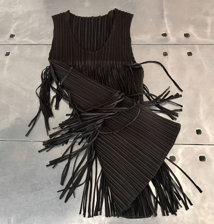 Issey Miyake pleats please top, authentic Issey Miyake sleeveless top, issey miyake pattern top, fringe top by NUKOBRANDS on Etsy https://www.etsy.com/listing/549648399/issey-miyake-pleats-please-top-authentic