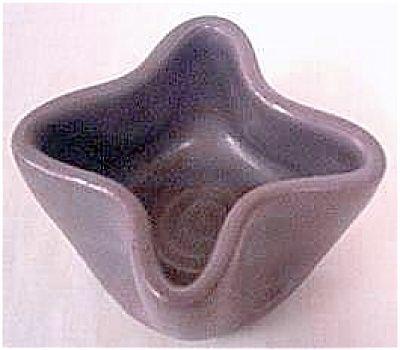 zanesville stoneware company lavender 18 pinch pot. Black Bedroom Furniture Sets. Home Design Ideas