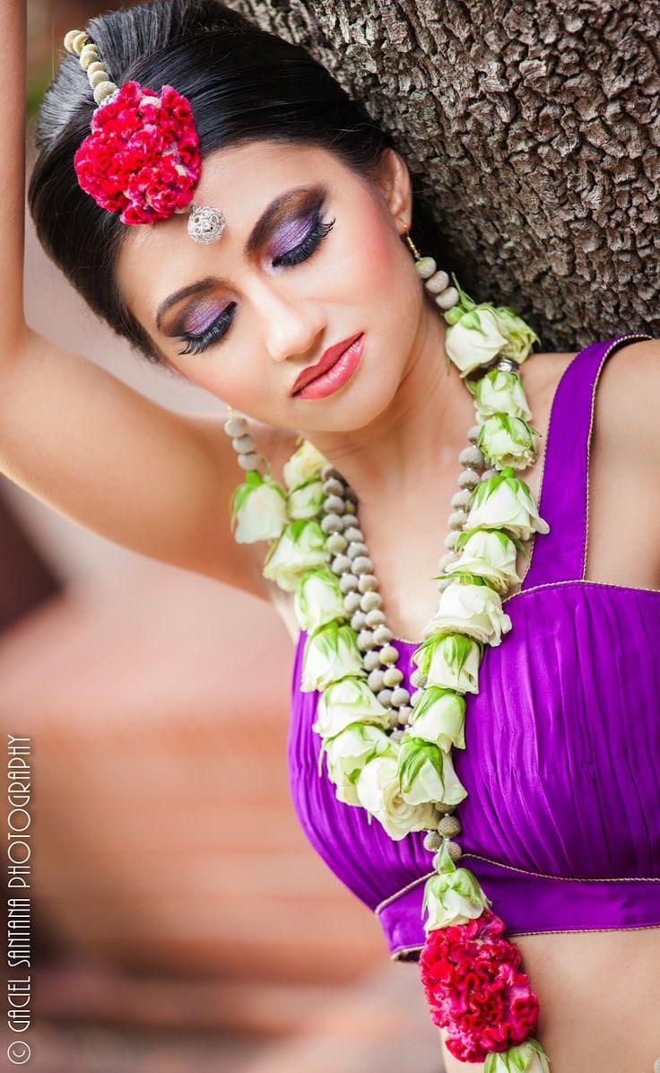 343 best images about jaimala on pinterest jasmine wedding garlands and hindus. Black Bedroom Furniture Sets. Home Design Ideas