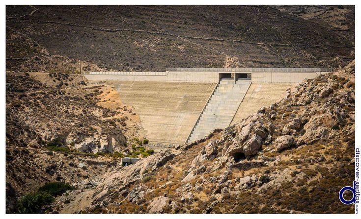 Serifos' Dam has a height of 30 meters and capacity of 700.000 cubic meters of water - Serifos, Cyclades.   Το Φράγμα της Σερίφου έχει ύψος 30 μέτρα και χωρητικότητα 700.000 κυβικά μέτρα νερού - Σέριφος, Κυκλάδες. Μάθετε περισσότερα στο: http://www.discover-serifos.com/el/anakalupste/aksiotheata/simeia-endiaferontos/fragma