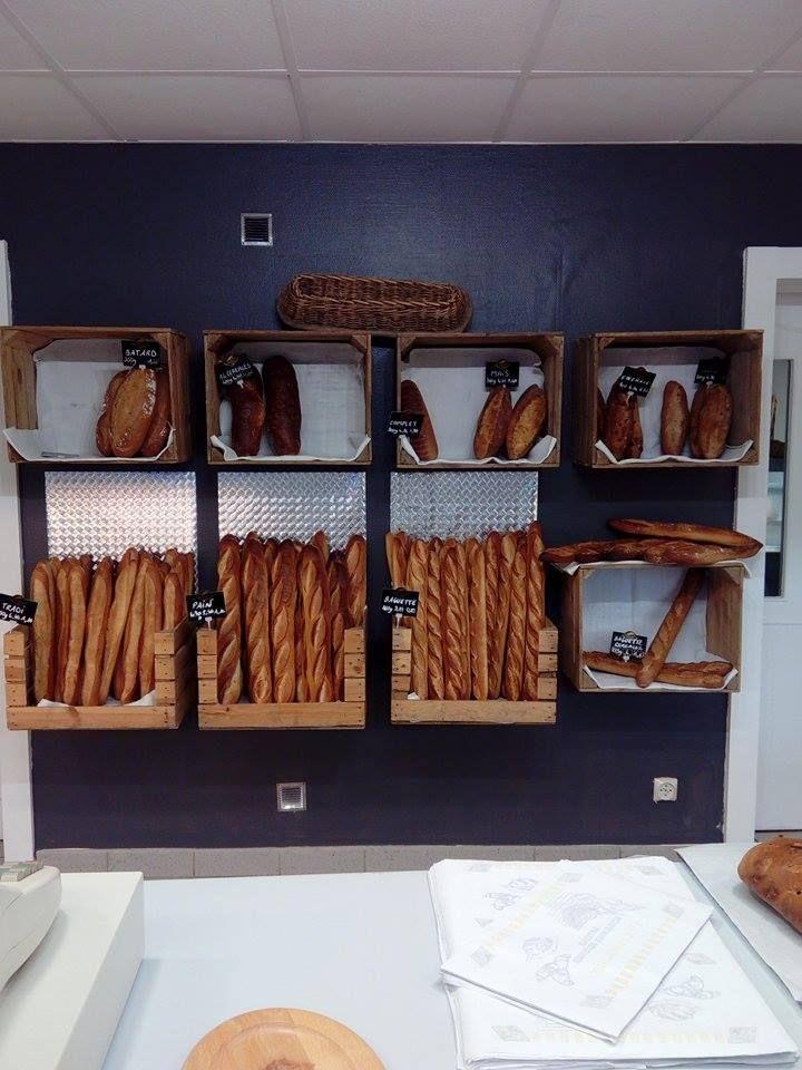 une boulangerie quip e avec des caisses en bois merci. Black Bedroom Furniture Sets. Home Design Ideas