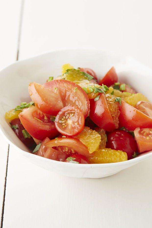 Tomatensalade met sinaasappel en dragon - Recepten - Culinair - KnackWeekend.be