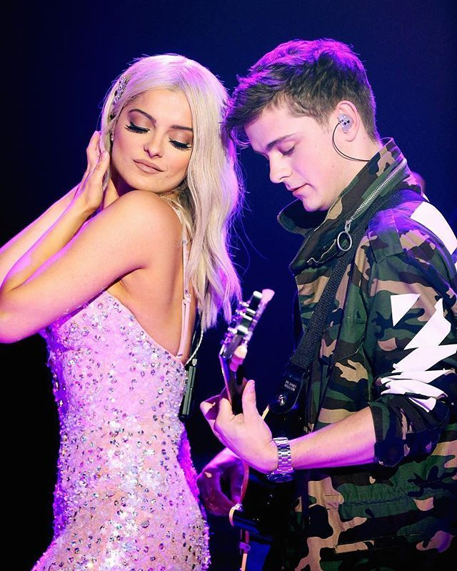 Martin Garrix and Bebe Rexha at Dick Clark's New Year's Rockin' Eve 2017 performing In the Name Of Love #martingarrix