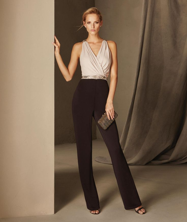 Bruna - Cocktail jumpsuit with a crew neckline on the back and a V-neckline on the front