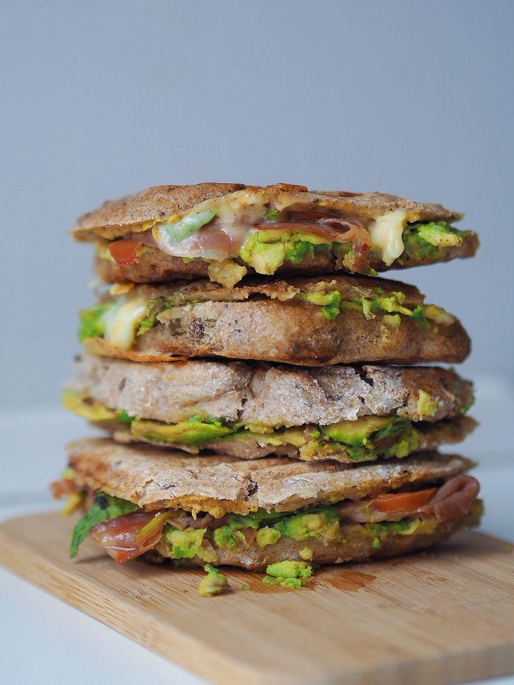 Spelttoast med avokado og serrano skinke - Nem og lækker frokost