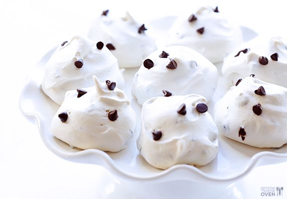 35-Calorie Chocolate Chip Meringue Cookies   gimmesomeoven.com