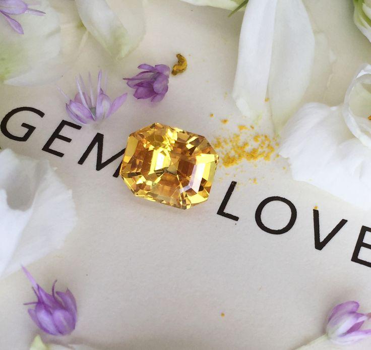 Природный желтый сапфир яркого цвета, представленный у нас, станет лучшим выбором для создания неповторимого украшения, которое еще долгие годы не выйдет из моды. 8,25 ct Natural unheated yellow sapphire 8,25 ct - perfect!  #gemlovers_sapphire #yellowsapphire #sapphirering #gem #gemstone #jewelry #highjewelry #exclusive #engagement #wedding #драгоценности #кольцо #ювелирка #украшение #помолвка #стиль #роскошь #королевский #orangesapphire #yellowsapphire #yellowsapphirering…