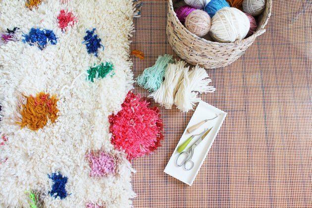 Handmade Yarn Shag Rugs Ehow Handmade Yarn Rug Yarn Shag Rug Diy