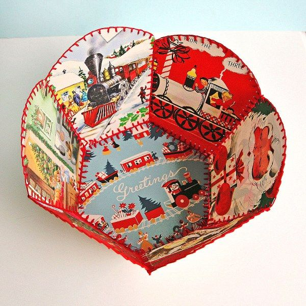 greeting card bowl with blanket stitch; turotial here: http://familycrafts.about.com/od/greetingcardcrafts/ss/CrochetCardBowl.htm  #paper #vintage #ephemera