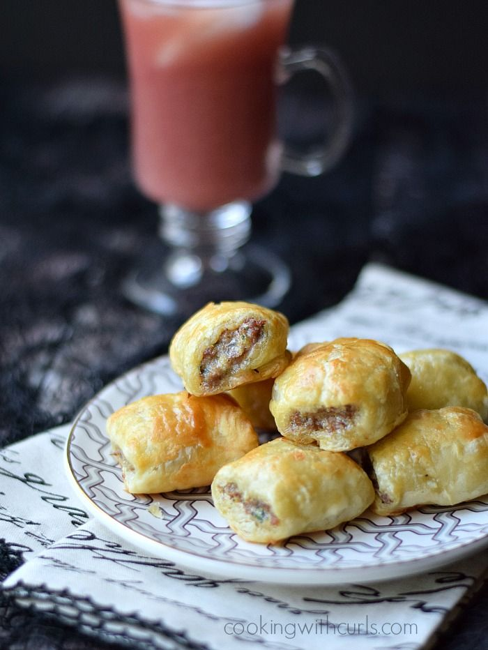 Puff Pastry Sausage Rolls | cookingwithcurls.com