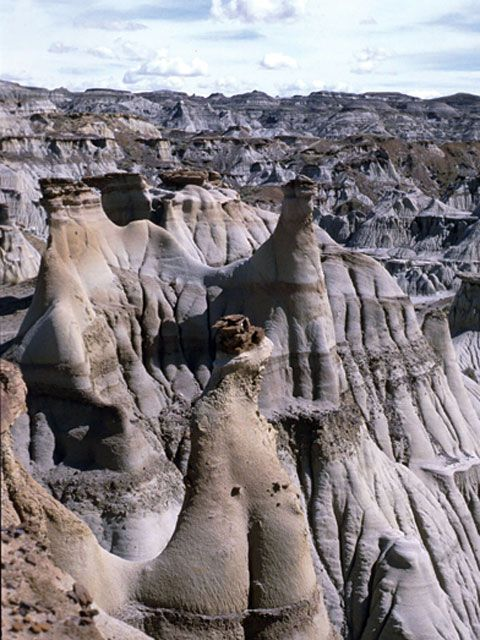 ✯ Hoodoos of Drumheller, Alberta, Canada,last time I was there was grade 6class trip...those were he days!