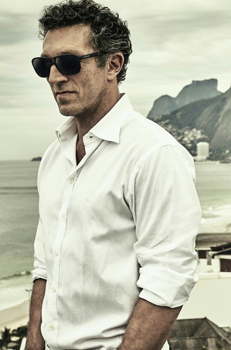 Vincent Cassel with Vuarnet. Pilot shape which suits people with large faces with lens in high quality of Vuarnet. Made in France #vuarnet #sunglasses #sunglasses2016 #vuarnetsunglasses