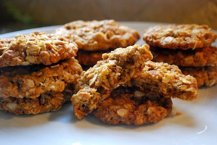 Anzac Biscuits- chewy oatmeal cookies from Australia and New Zealand