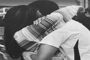 Un abrazo de 20 segundos, el mejor remedio contra la tristeza - Red Social para Mujeres http://www.guiasdemujer.es/st/mujeremprendedora/Primeras-imagenes-de-Jose-Fernando-hijo-de-Ortega-Cano-tras-la-detenci-1721#.UoVG5sQz148