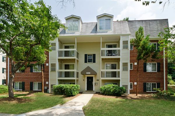 Foxchase Apartments In Alexandria City Virginia Apartment Showcase Virginia Apartments Apartment Showcase Apartment