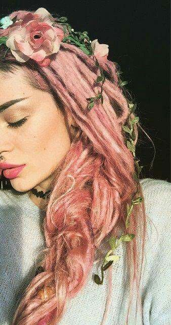 Era Istrefi ♡♡ My hair and my mind are full of pink flowers...