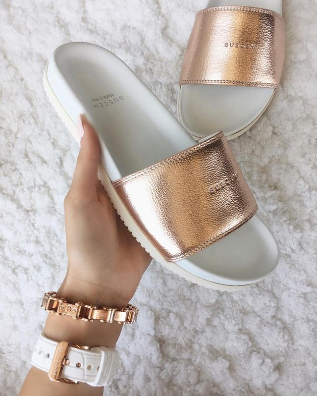 Summer slides in Rose Gold by Buscemi.