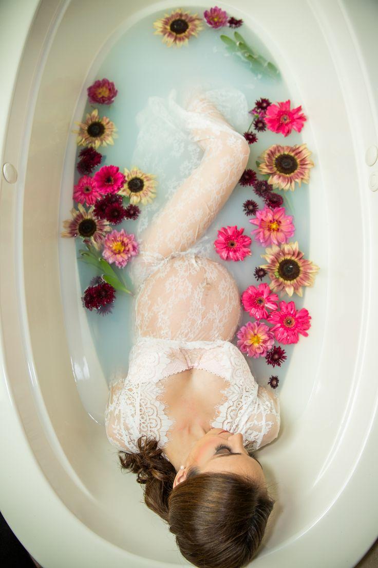 Pregnancy photos, maternity photos, maternity milk bath