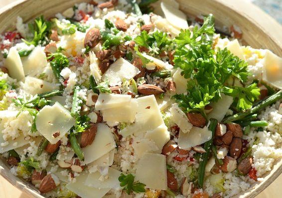 Blomkålscouscous med grønne bønner og parmesan