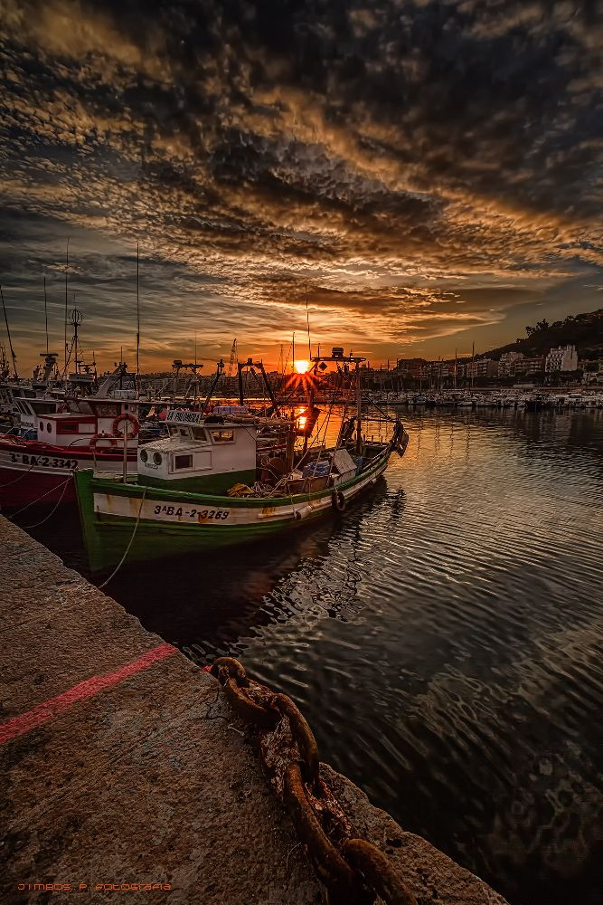 Fishing Boats at sunset. - After a hectic day of fishing, the time came to rest under the gentle warmth of the evening.  Best if you can see the black background.  Thanks for your support and kindness.  good weekend!