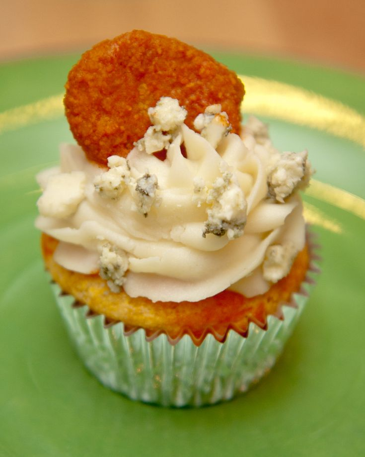 Hot Wing cupcakes - cornbread muffin, mashed potato & blue cheese ...