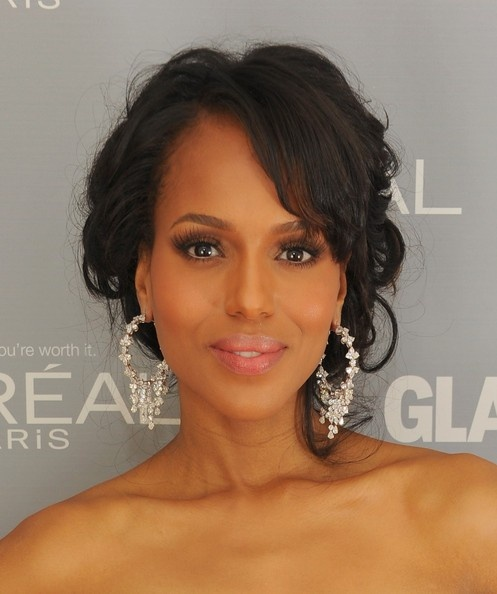 Love Kerry's look? Replicate Kerry's flawless complexion with Urban Decay Naked Skin and glam up those eyes with the feminine palette. Click here for yours http://www.ebay.com/sch/loledeux/m.html?_nkw=&_armrs=1&_from=&_ipg=25&_trksid=p3686