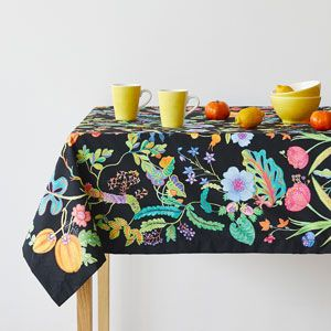 Image of the product Multicoloured leaves napkins and tablecloth