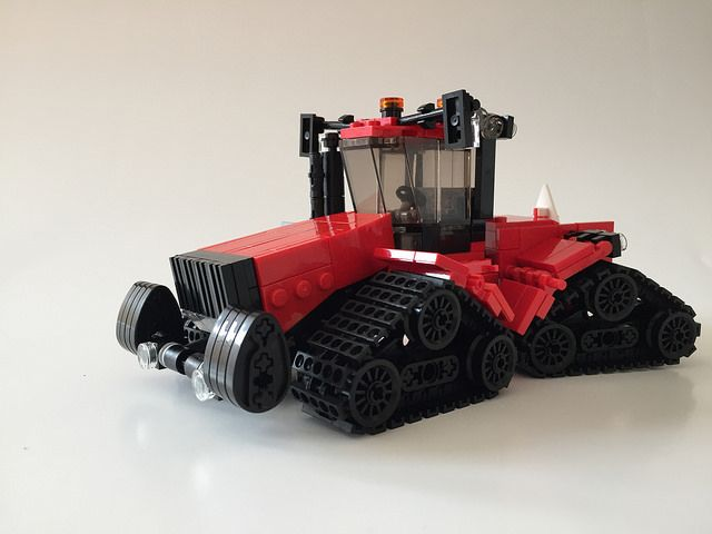 A serious LEGO tractor for serious LEGO farmers