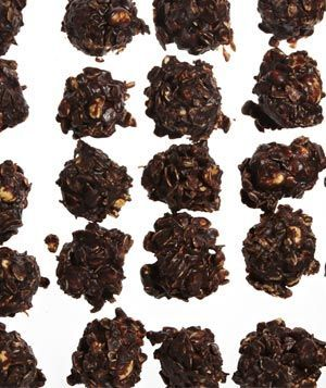 No-Bake Chocolate, Peanut Butter, and Oatmeal Cookies Makes 36 cookies| Hands-On Time: