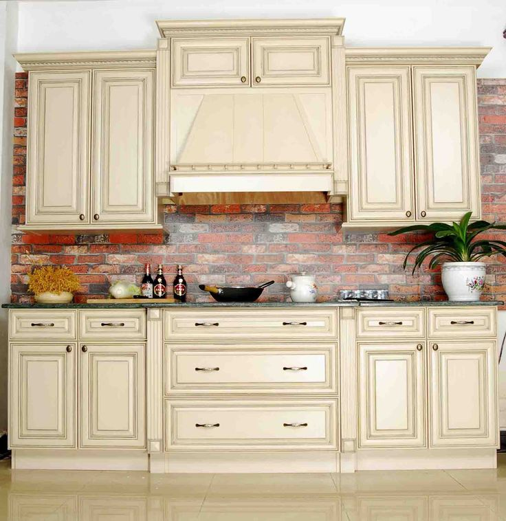 Wooden Kitchen Furniture Photos: Affordable French Provincial Solid Kitchen Cabinets Ideas