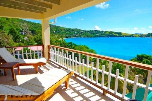 Lujo, vistas al #mar y acceso a playa virgen es la mejor definición para esta casa disponible para un intercambio en nuestro portal Gold. #caribe