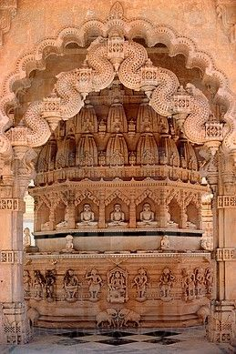 ADINATH TEMPLE, MOUNT SHETRUNJAYA, PALITANA, GUJARAT, INDIA.