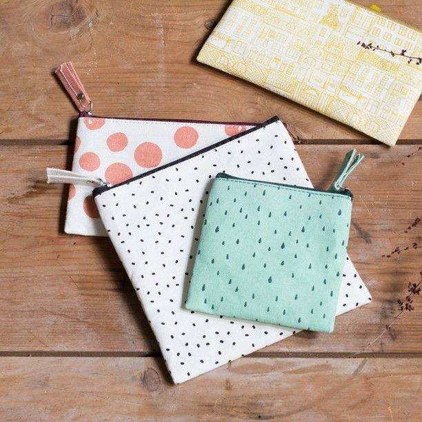 Make-up bags with a variety of patterns and designs. In shops now. Prices from DKK 12,90 / SEK 17,60 / NOK 18,90 / EUR 1,83-3,49 / GBP 1,44 / ISK 349