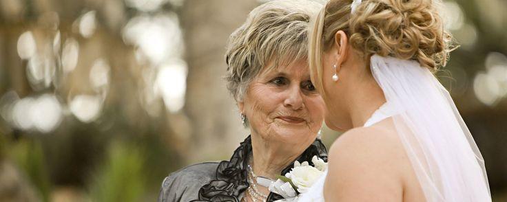 Tu espejo en el que mirarte, tu consejera más fiel, tu amiga y cómplice... ¡Sorprende a tu madre con nuestras 5 IDEAS DE REGALOS ORIGINALES para mamá!